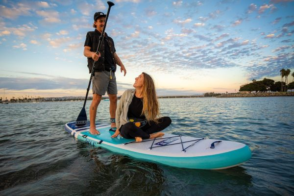 how-to-paddle-board-with-others